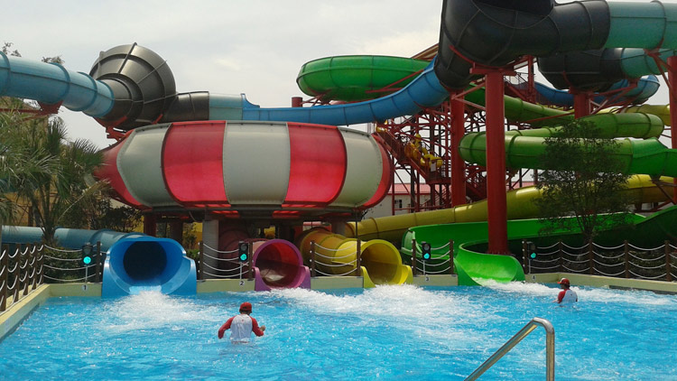 Shanghai 39 s best swimming pools and water parks - Splash wave pool public swim hours ...