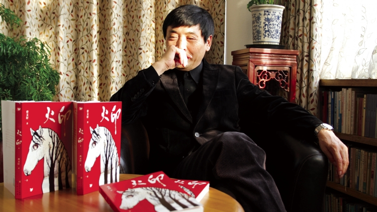 One on one with children's author Cao Wenxuan
