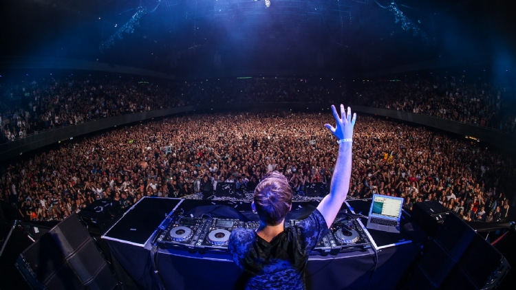 Hardwell to headline f1 afterparty at myst altavistaventures Image collections