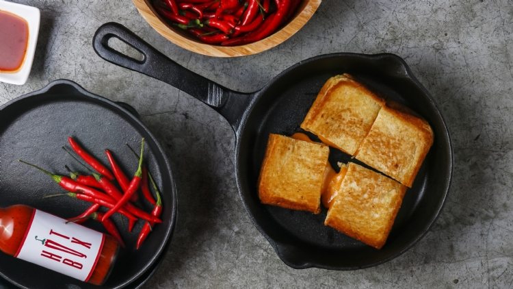 Super-spicy Bloody Marys and grilled cheeses at Hot Box