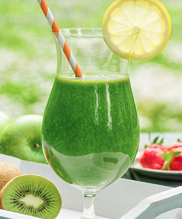 Kiwi apple super food smoothie