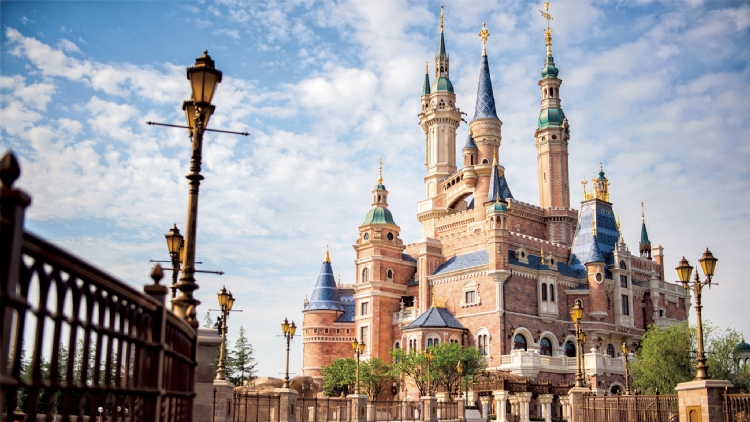 3. Go all out at Shanghai Disneyland on Children's Day