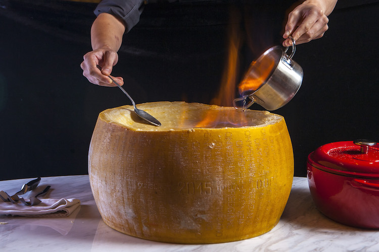 10 Shanghai dishes that are too cheesy to handle