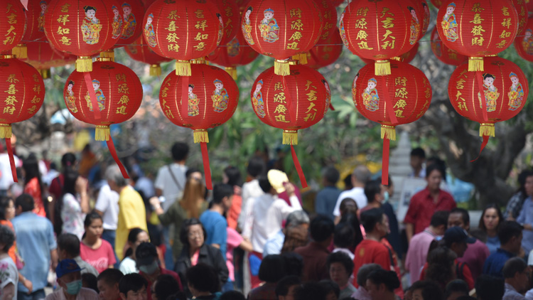 Over 700,000 visitors hit up Shanghai's biggest tourist attractions on CNY Day