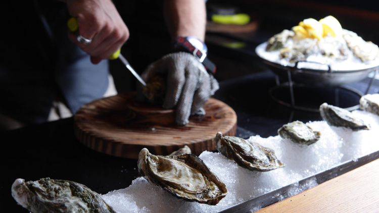 The Plump Oyster
