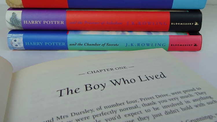 The first three Potter novels hit stands in China at the same time