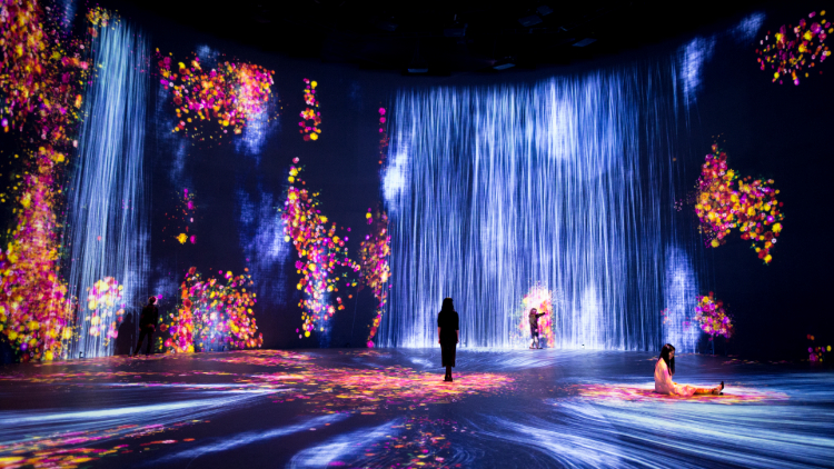 Universe of Water Particles in the Tank, Transcending Boundaries_02