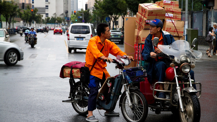 Shanghai's delivery boom has led to an increase in road accidents