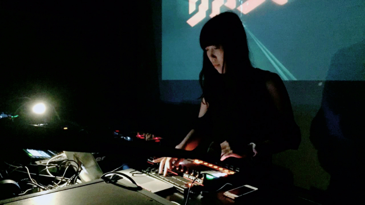 china.wav: Electronic Producer Laughing Ears and Blind Violinist Zhang Zheyuan