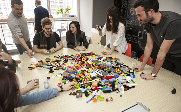 Serious Play: team building with LEGO