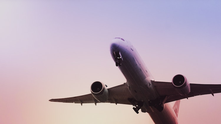 China is allowing more international airline carriers from today